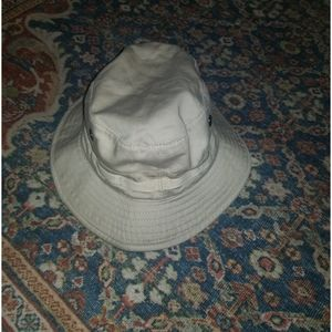 Jill Sanders bucket hat